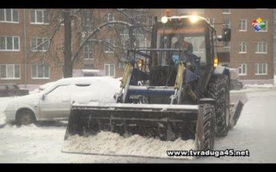 Коммунальные службы вышли на борьбу со снегом