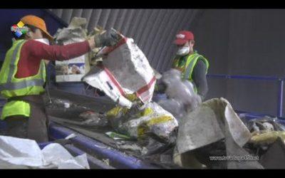 Общественность побывала в центре по сортировке мусора «Цессор»