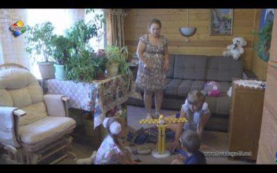 Многодетная семья Ломакиных воспитывает приемного ребенка