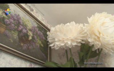 Удивительные цветы-гиганты создает Ирины Антоненко