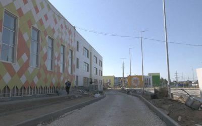 Денис Семенов посетил строительную площадку новой школы в микрорайоне Филимоново